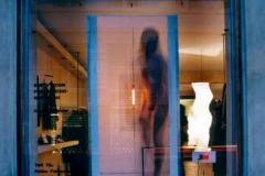 """""""Empty room for thinking - Mindflash"""". Foto: Karsten Damstedt JørgensenEvents : """"Kulturens Vinduer"""" et projekt af Abby Weisgard, der omfattede 18 butikker og 18 kunstner imens København var """"Kulturby""""."""
