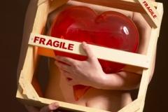 """Fotostyling og design til """"Fragile Heart"""" Valentines Day udstilling. Glas ved Pernille Bülow."""
