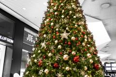 Juleudstilling til Københavns Lufthavn i samarbejde med Mikkel Sonne. Foto: Stuart Mcintyre