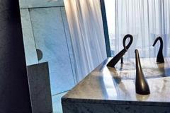 Philip Starck Design. Artikelserie for Euroman fra Peninsula Hotel i Hong Kong. Fotograf: Karsten Damstedt Jørgensen. Fotostyling: Abby Weisgard